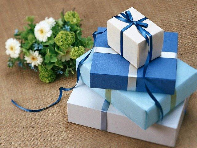 Jakie prezenty na święta podarować najmłodszym? Propozycje.