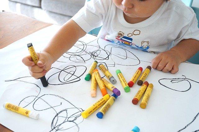 Terapia sztuką dla malucha