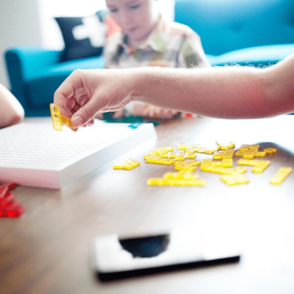 W jakie gry grać z dziećmi w zimę?